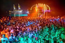 Casinos and nightlife in the Bahamas Adventugo.com
