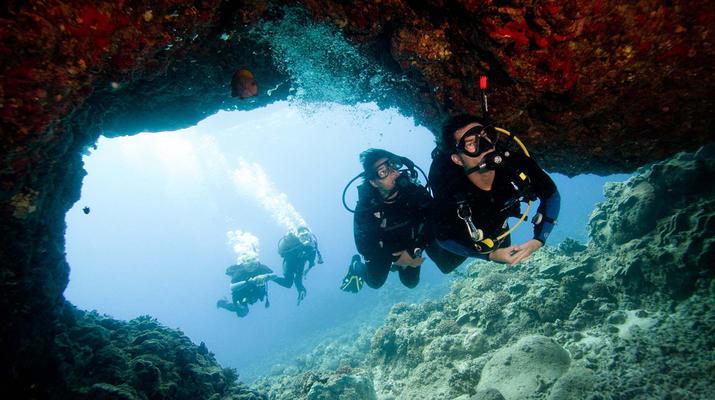 scuba diving adventugo.com