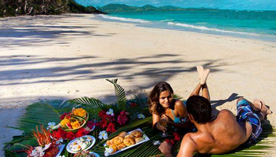 Honeymoon_beach-Turtle-Island_fiji