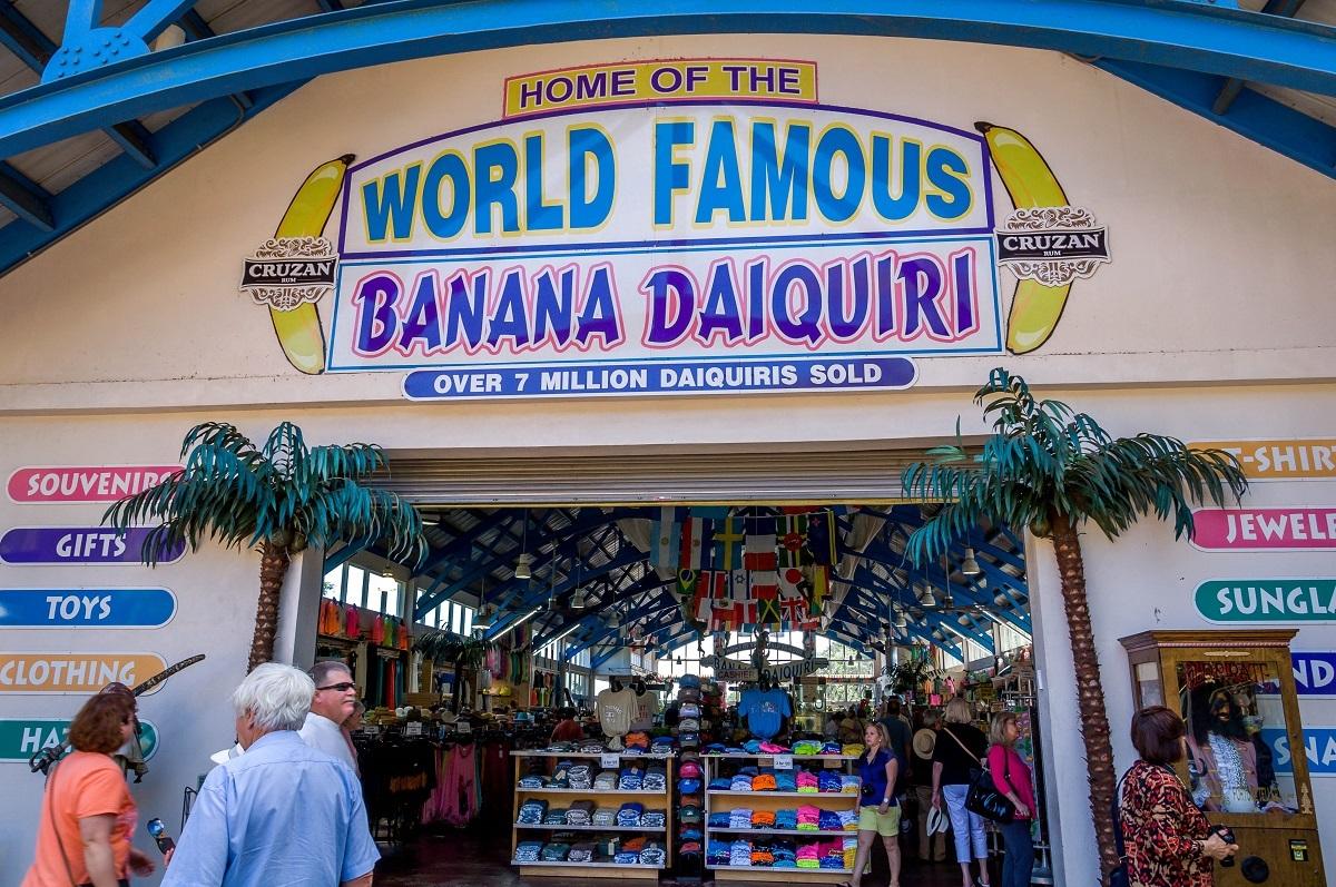 St-Thomas-US-Virgin-Islands-Mountain-Top-market